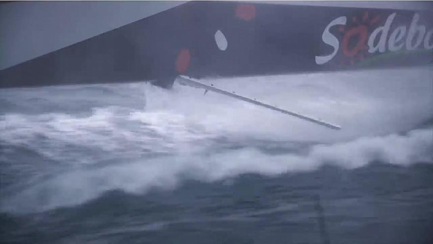 BREST ATLANTIQUES 18 novembre 2019 : images de bord de SODEBO après son avarie de safran @Batlantiques @Sodebo_Voile