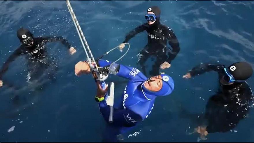 L'Approche-TV : Record du Monde de Plongée en Apnée à -123 mètres de Pierre Frolla en 2004 @PierreFROLLA